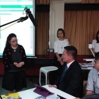 彭志遠校長十分投入參與工作坊。